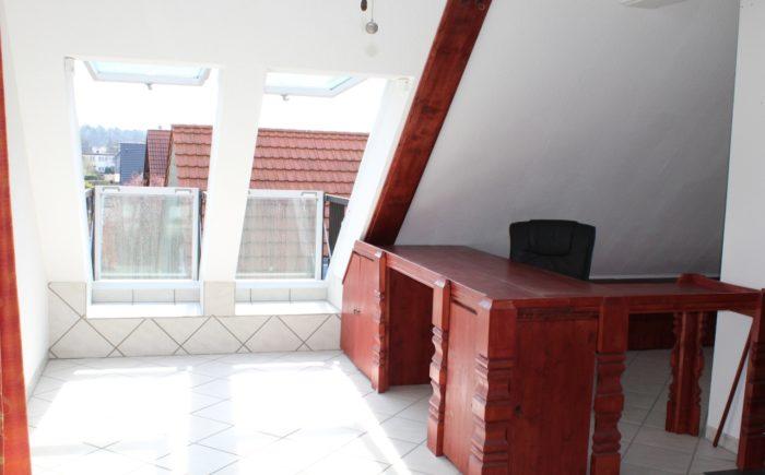 DG_Wohnzimmer mit Arbeitsbereich